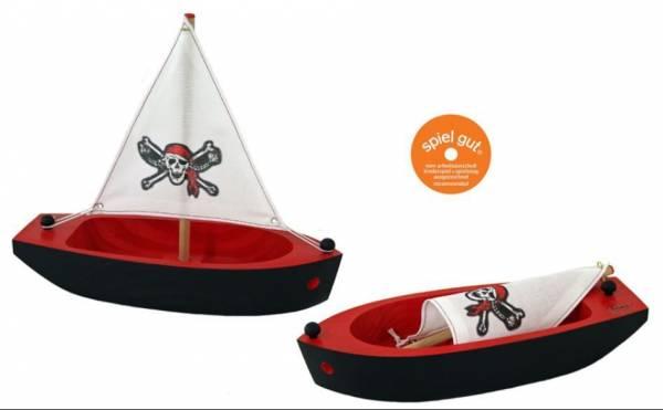Piratenschiff, handgeschnitzt